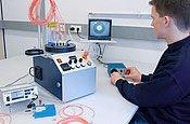 用于聚合物和光缆的测量站
