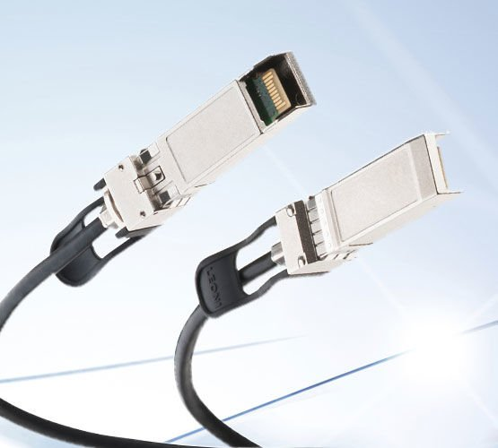product picture SFP+ cable systems