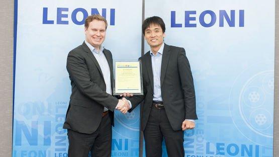 Certificate handover