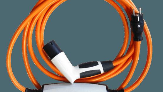 Konfektioniertes Ladekabel mit Steuerungseinheit