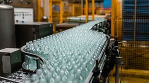 LEONI cable management expertise puts a cap on downtime for soft drink bottler