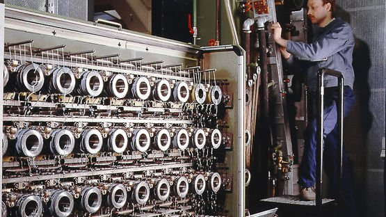 Efficiency was enhanced in the 1980s with the multi-wire drawing machine