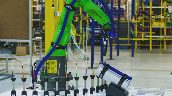 LEONI Cable Management for Cobots